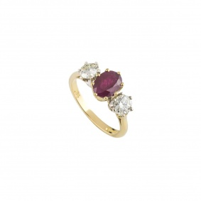 Yellow Gold Diamond and Ruby Ring